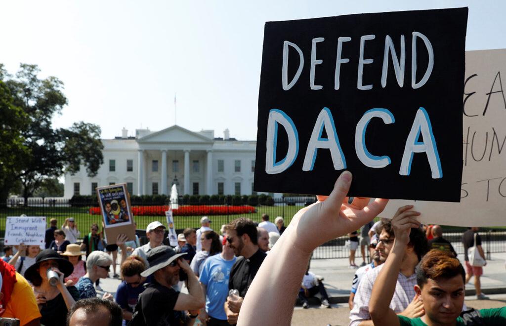 Rechazarán nuevas solicitudes de DACA Refuses To Accept New DACA Applicants
