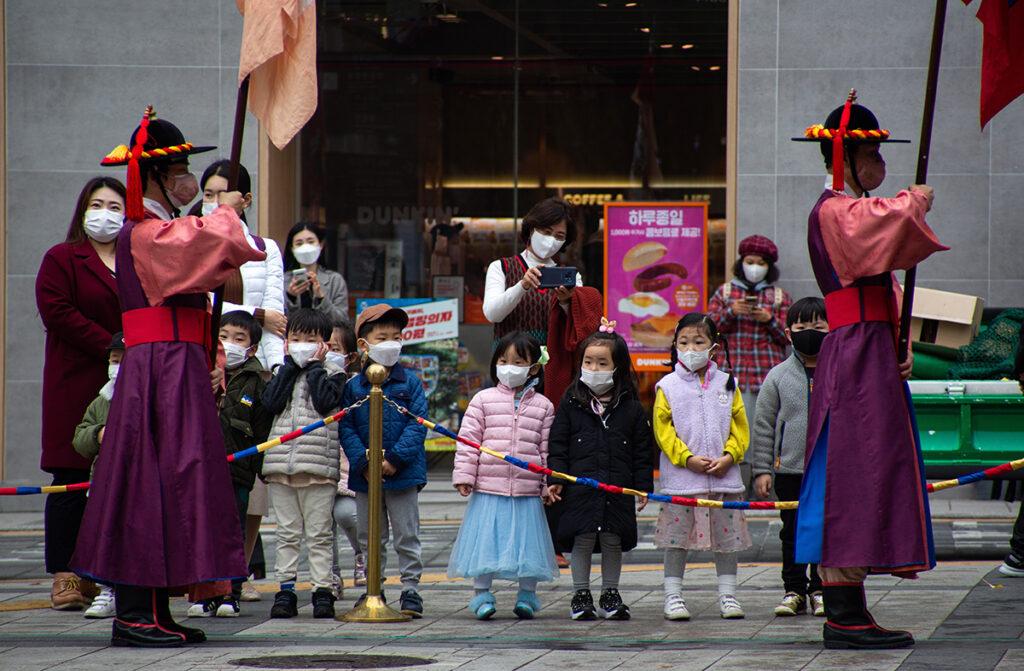Corea del Sur endurece restricciones