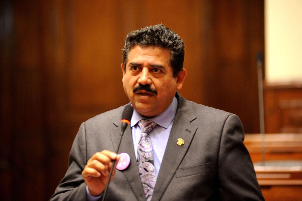 El Congreso peruano destituye al presidente