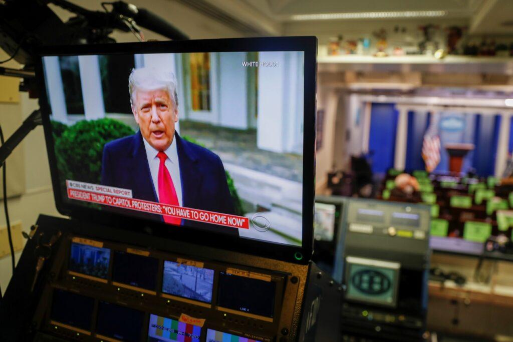 Trump pide a asaltantes del Capitolio