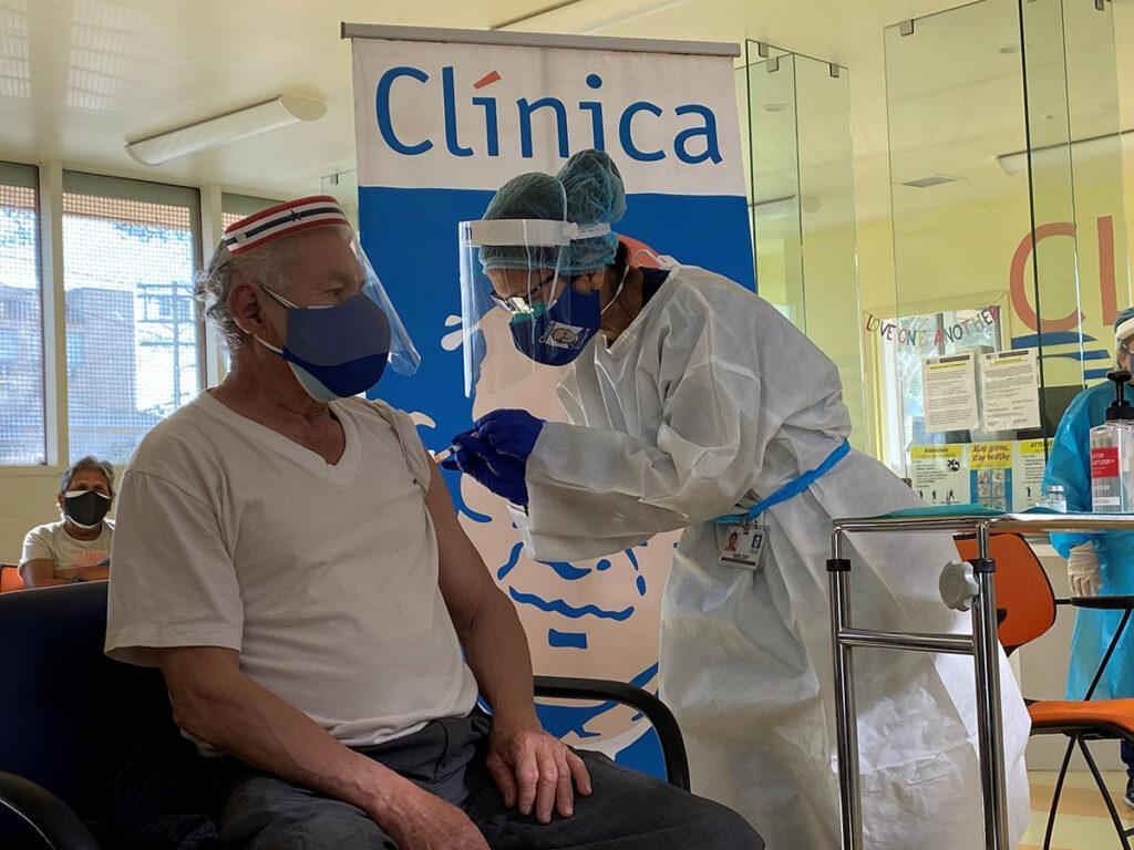 Access to Covid-19 Vaccine Expanded for Hispanics Amplían acceso de hispanos a vacuna del covid-19