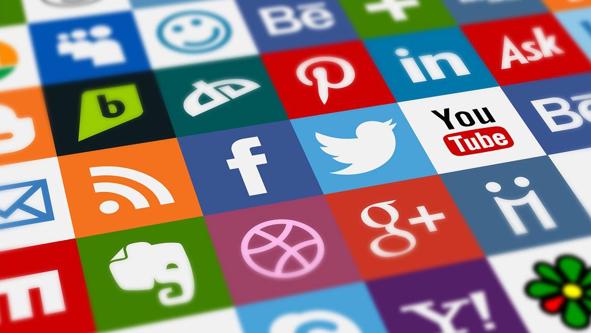 México legislará para controlar redes sociales