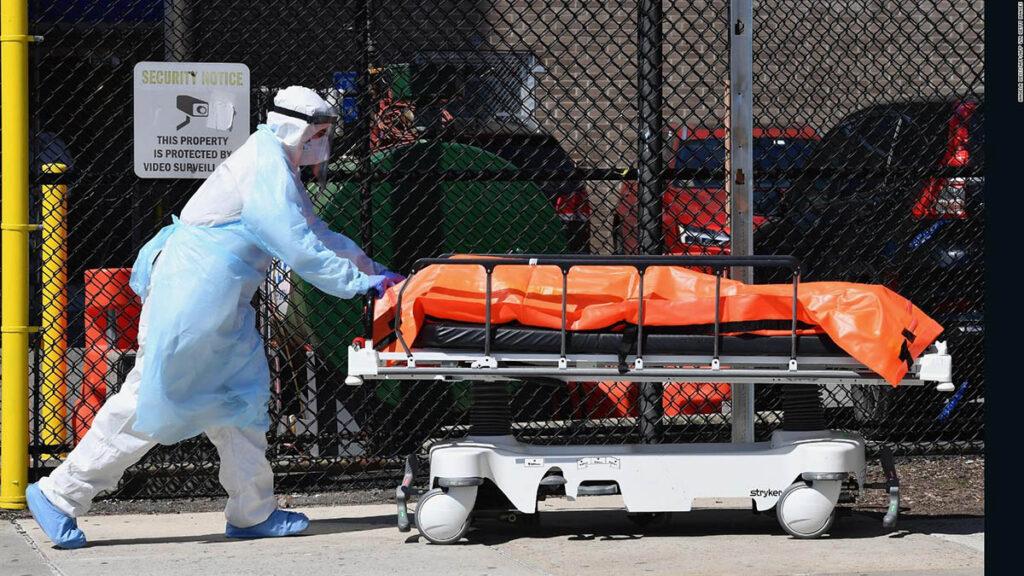 Pandemia redujo expectativa de vida en EEUU