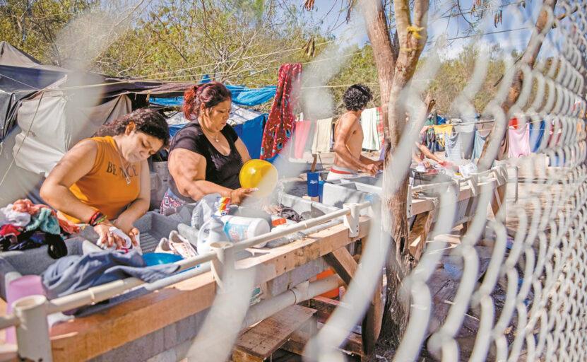"""Roberta Jacobson: """"Hay que  cerrar el campamento de migrantes de Matamoros"""""""