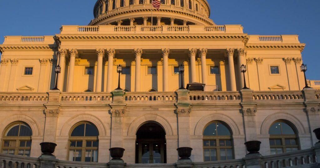 La Cámara Baja de EE.UU. aprueba rescate por covid-19 de 1,9 billones dólares