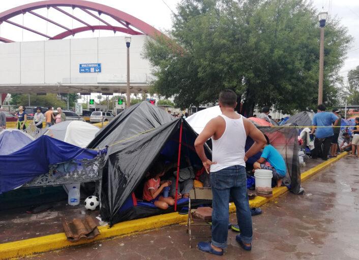 Ilusión e incertidumbre en México por la reapertura de casos de asilo
