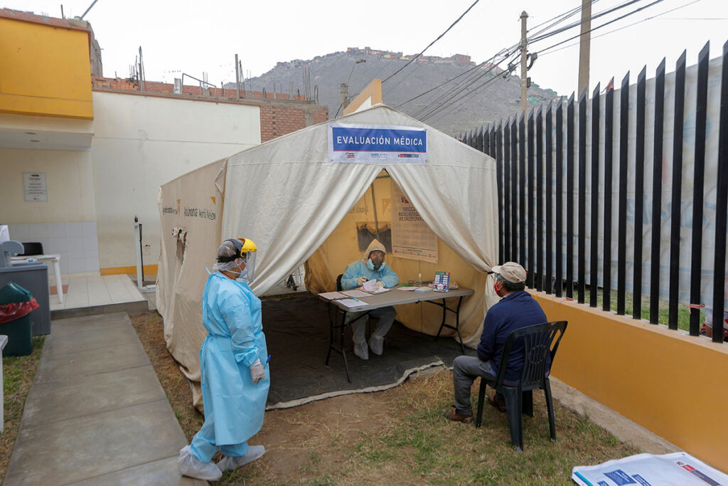 Perú recibe primer lote de AstraZeneca