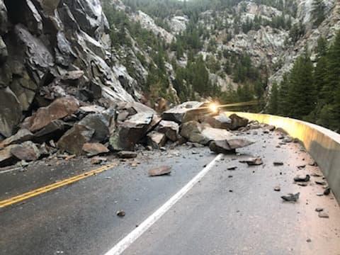 Deslizamiento de rocas gigantes provoca cierre de la CO-119