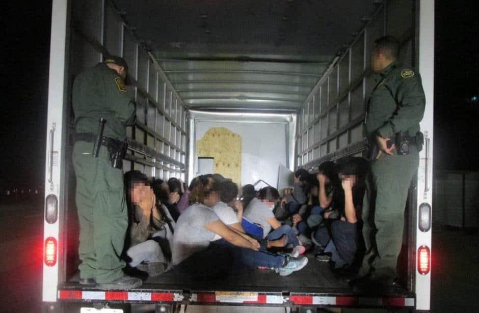 Combaten tráfico de migrantes