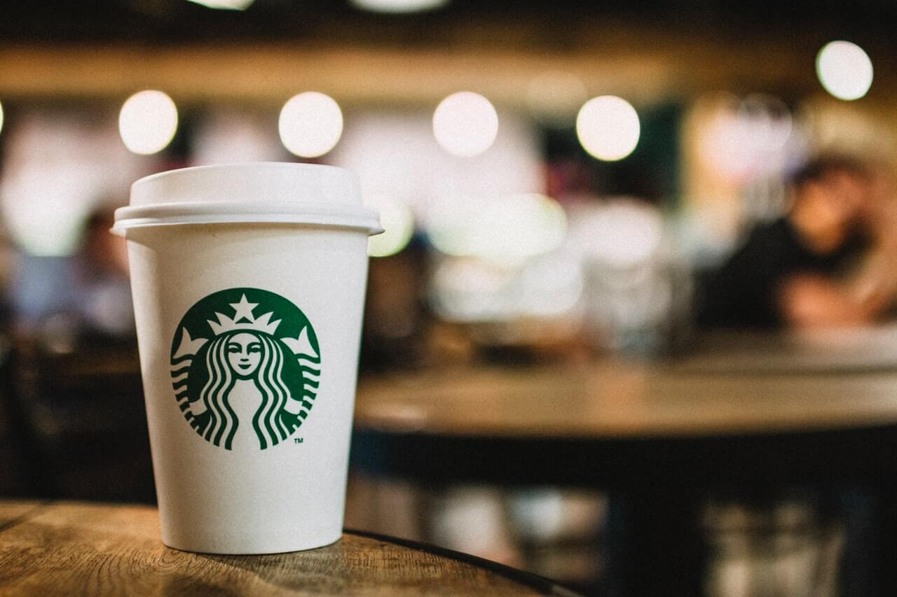 Starbucks opens its first pick-up shop - foodtech news in asia
