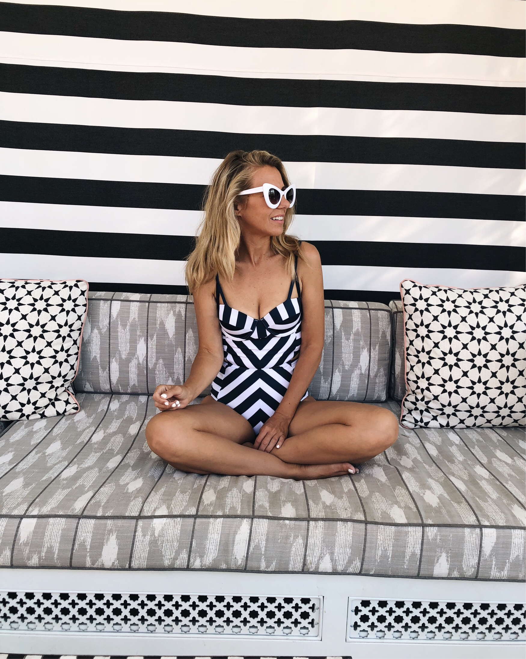 ANNIVERSARY WEEKEND GETAWAY AT THE SANDS HOTEL- Jaclyn De Leon Style + PALM SPRINGS HOTEL + BOHEMIAN + ONE PIECE SWIMSUIT + RETRO SUNGLASSES + CABANA AT THE POOL + RETRO STYLE SWIMSUIT + SUMMER STYLE + VACATION + TRAVEL