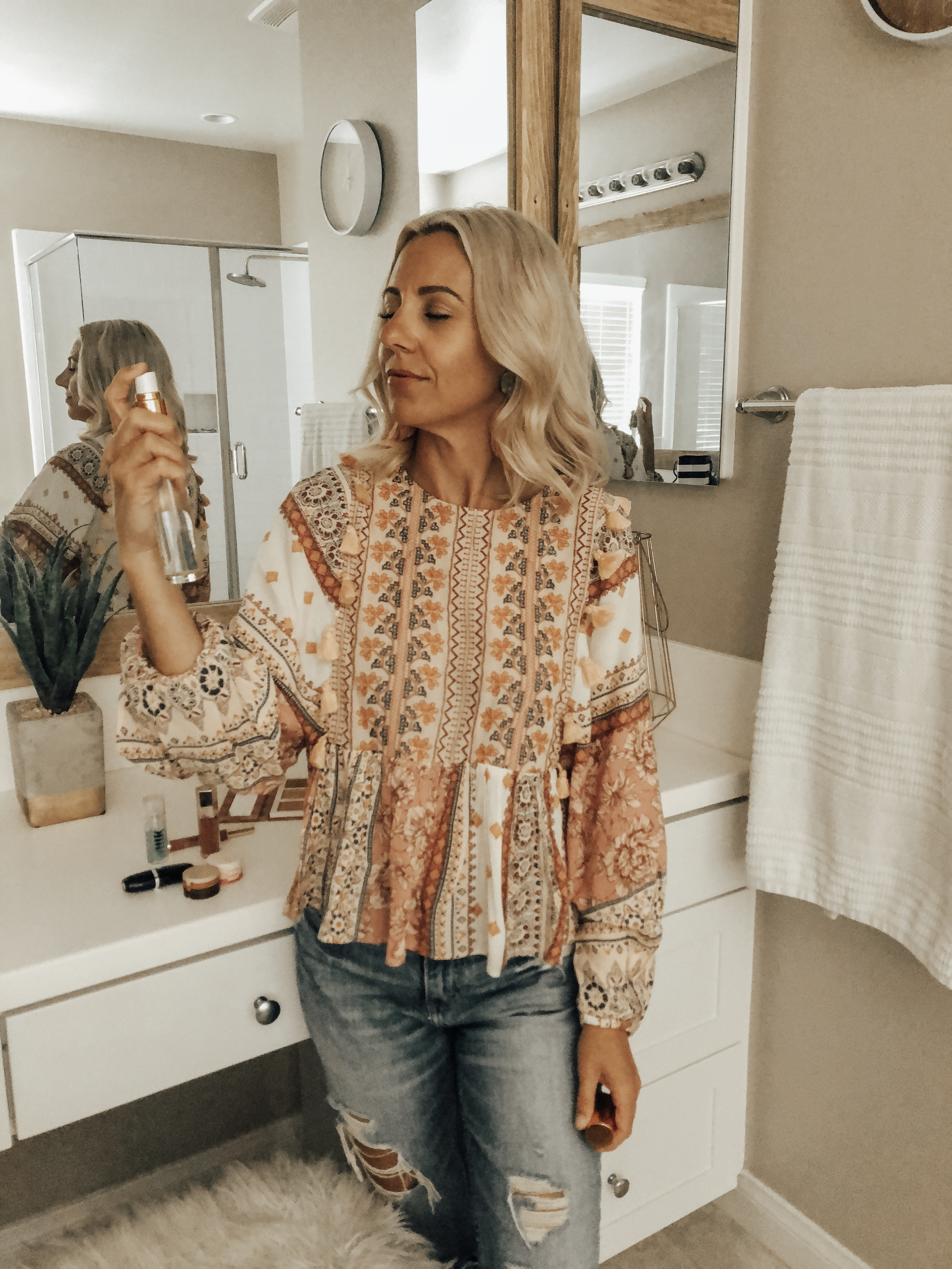 SPRING MAKEUP REFRESH WITH SEPHORA INSIDE JCPENNEY- Jaclyn De Leon Style + Have you updated your makeup for Spring and Summer? There is all new and exclusive Sephora makeup products with all the pink, gold and shimmer you need.