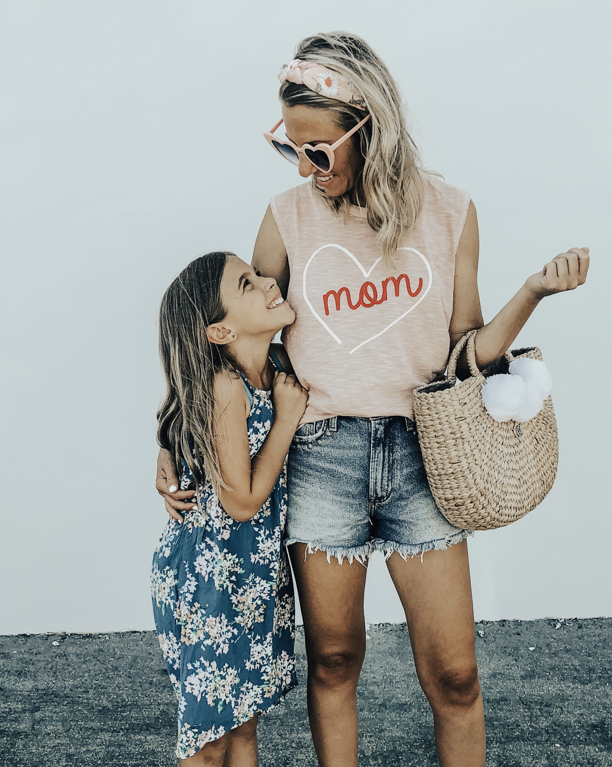 LAST MINUTE MOTHER'S DAY GIFTS- Jaclyn De Leon Style + Are you still looking for last minute Mother's Day gifts? I've got you covered with the perfect gift guide with everything Amazon Prime or Target 2 day shipping!