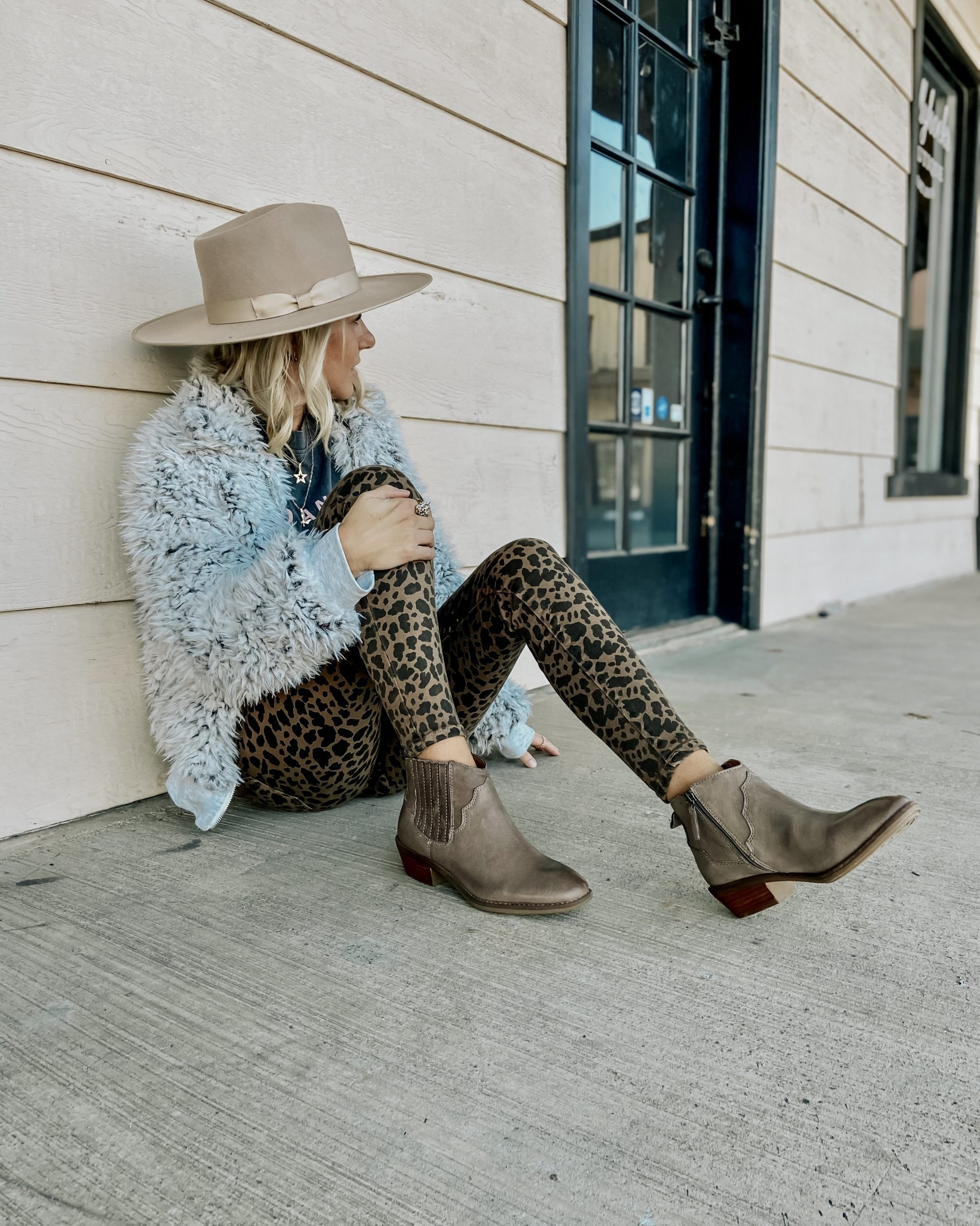 COMFORT MEETS STYLE WITH COMFORTIVA- Jaclyn De Leon Style + Looking for comfortable shoes but don't want to sacrafice on style. Comfortiva shoes are Italian leather shoes with mutliple footbed technologies for the perfect comfort