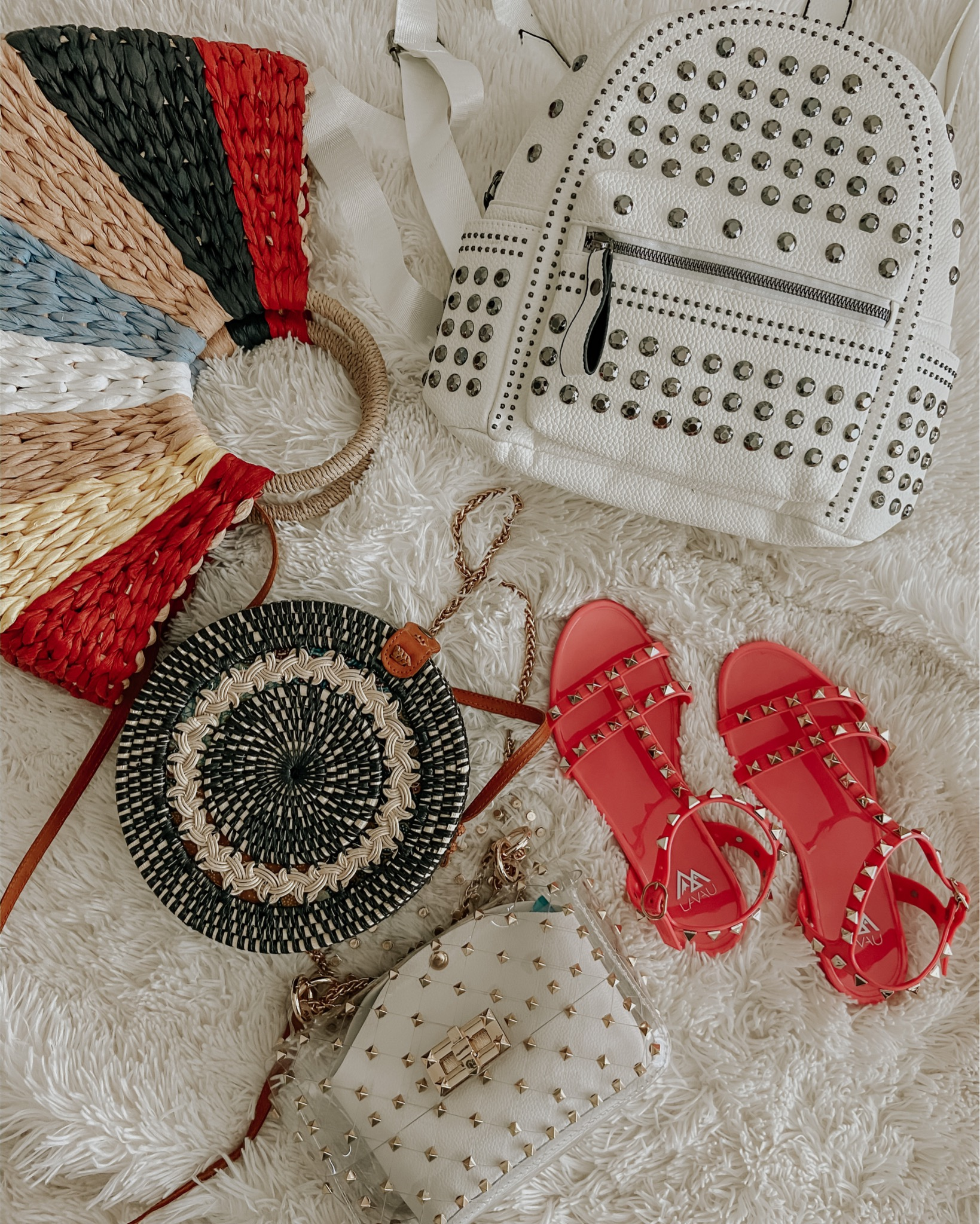 AMAZON ROUNDUP- MARCH 2020- Jaclyn De Leon Style + rounding up my Amazon finds for the month including cute sandals, swimsuits + kimonos, spring dresses and more