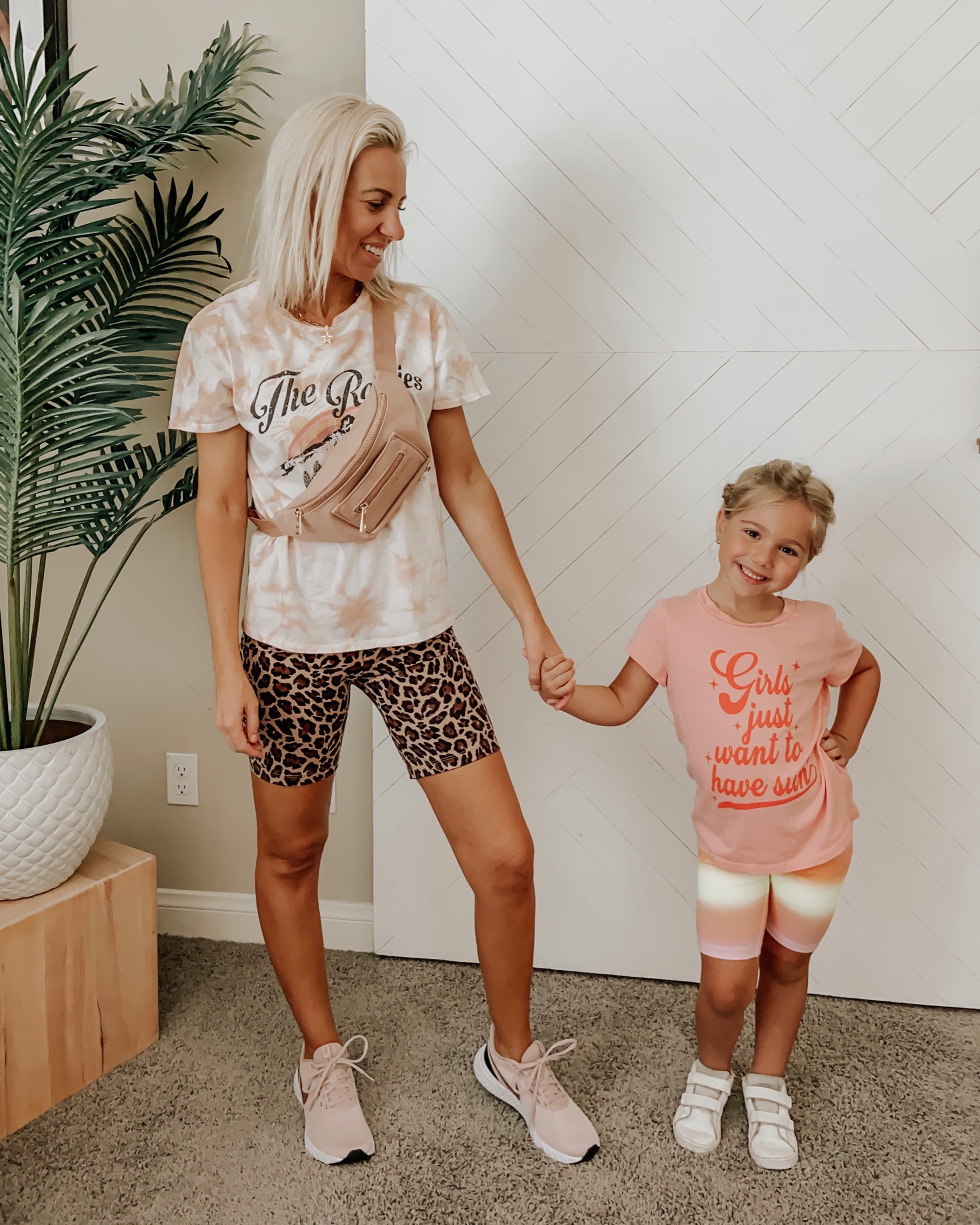 TIE DYE + LEOPARD- Jaclyn De Leon Style + sharing several ways to pattern mix with leopard and tie dye from comfy casual to all dressed up. Style tips included