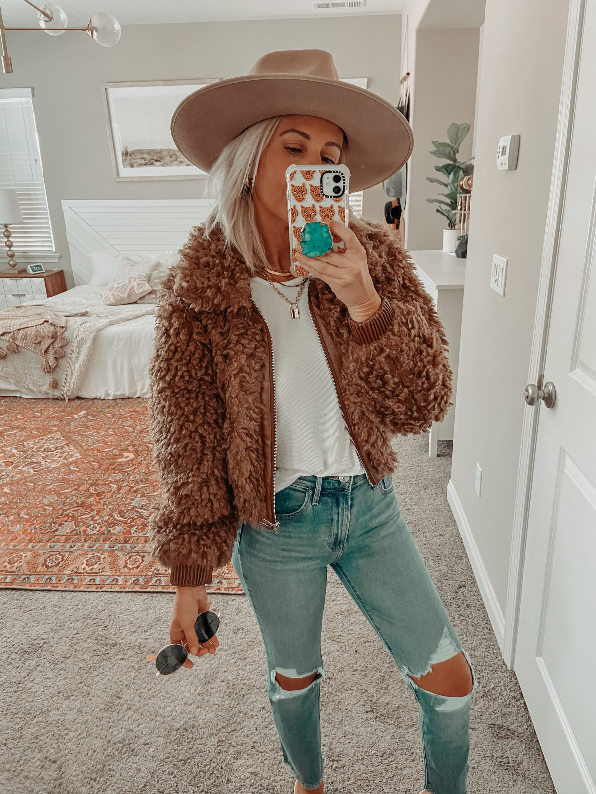 AMAZON PRIME DAY DEALS- Jaclyn De Leon Style + rounding up the best of the Amazon Prime day sales including top brands such as Levi's at great prices
