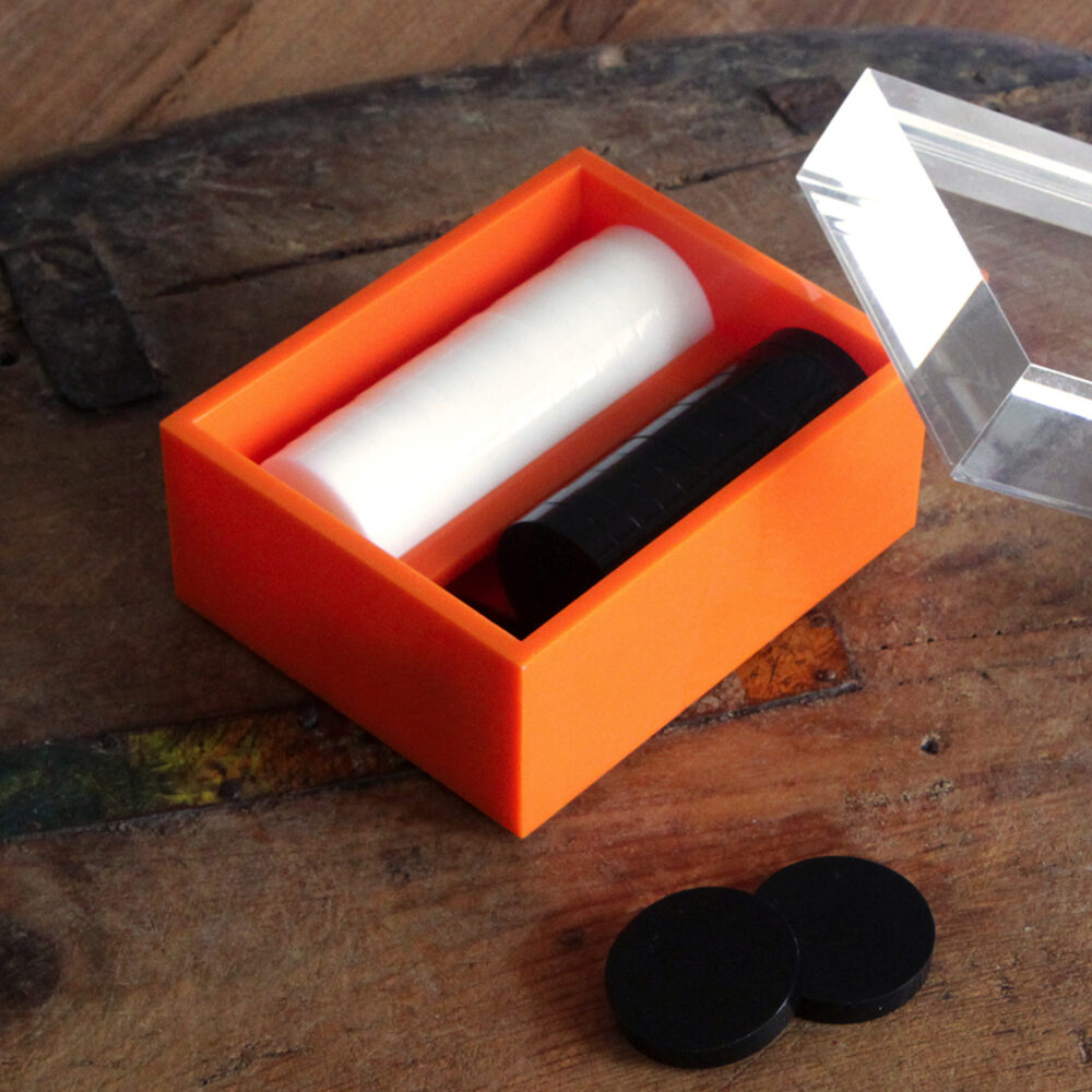 0032-acrylic-backgammon-box-square