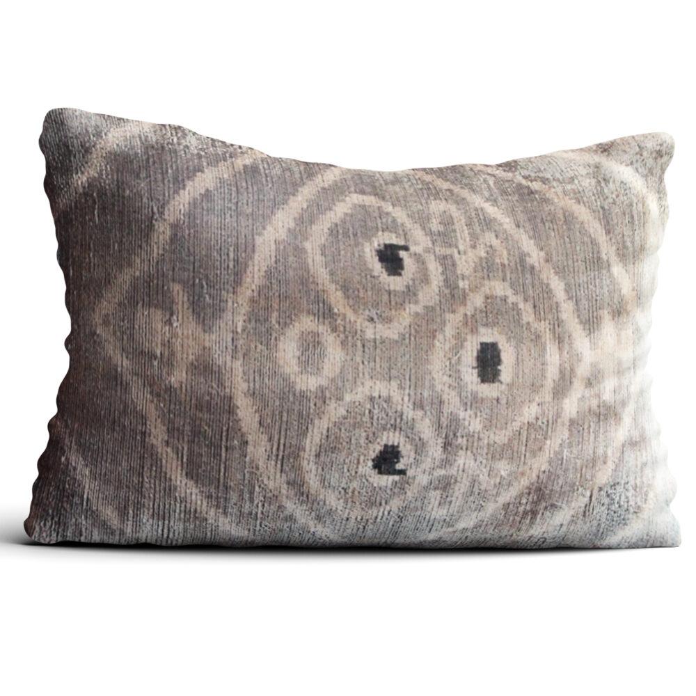 6438-silk-velvet-pillow