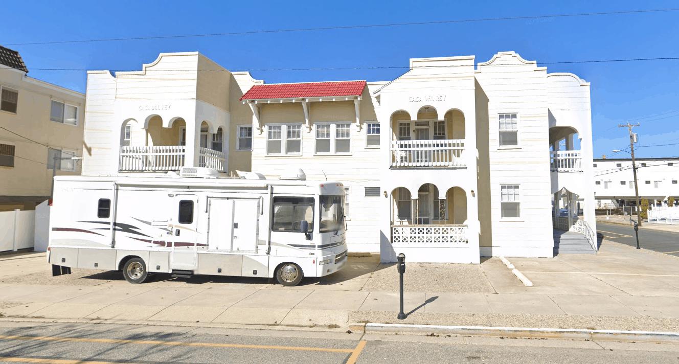 Wildwood House Demolition - Casa Del Rey