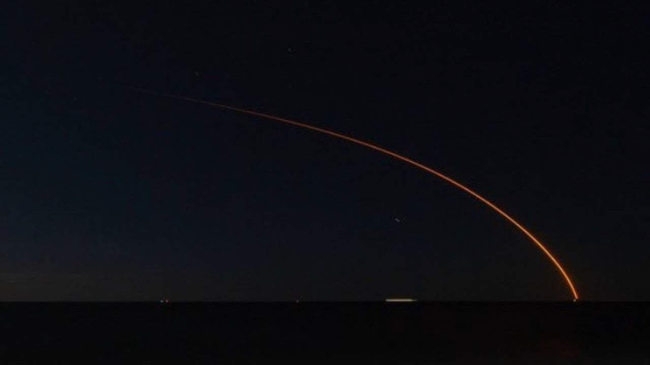 Watching a NASA Launch From The Cape May Beach (Video)