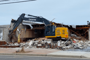 Demolishing Piro's Italian Restaurant