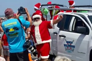 Santa On The Wildwood Beach (Video)