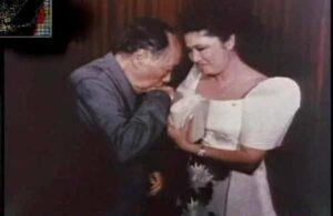 毛泽东吸菲律宾总统夫人乳房
