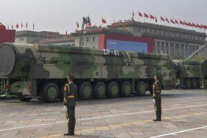 中共, 核敲诈 - 核武器发射架