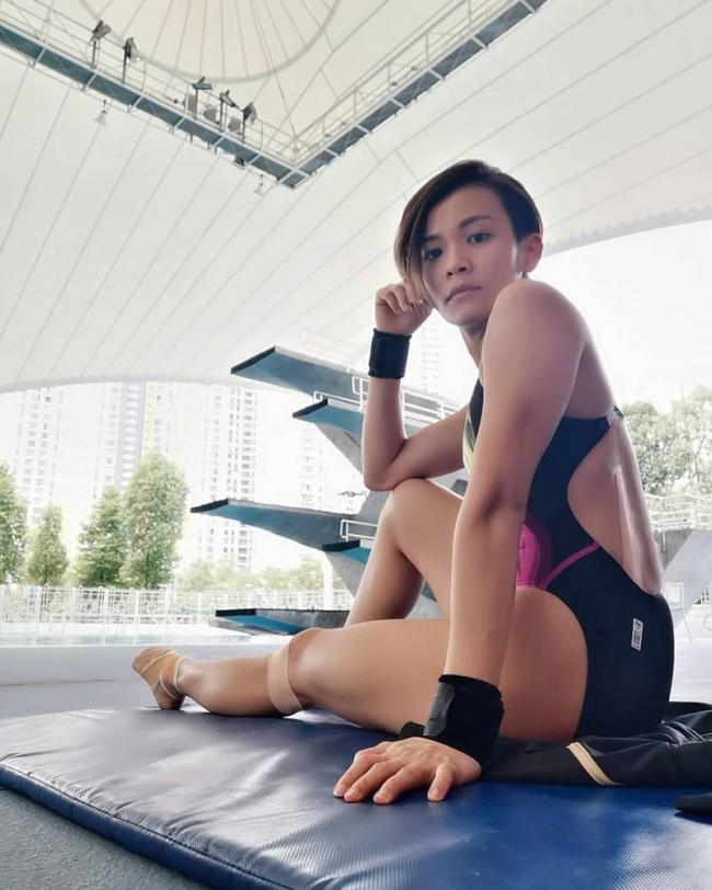 张俊虹代表马来西亚征战奥运,但当地新闻媒体报道却跳水衣物单薄,而将照片打上马赛克。(图/翻摄自张俊虹脸书)