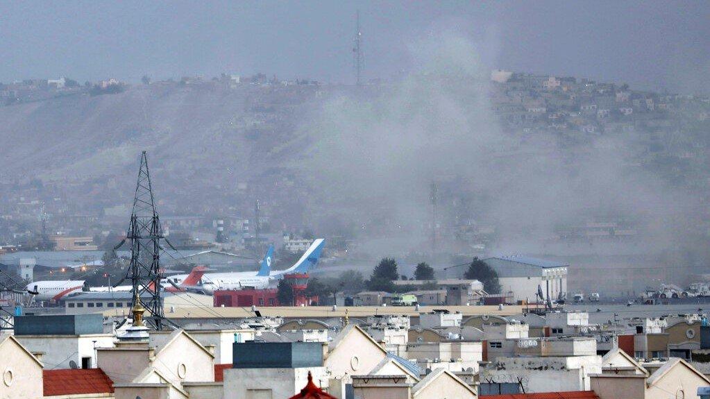 喀布尔机场外爆炸至少60死140伤 12名美军牺牲