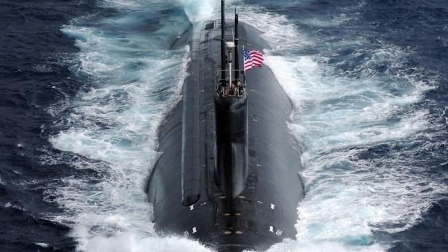 拜登软弱可欺中共极限施压;赵立坚暗示: 美军核潜艇败给了中共抛出的神秘物体