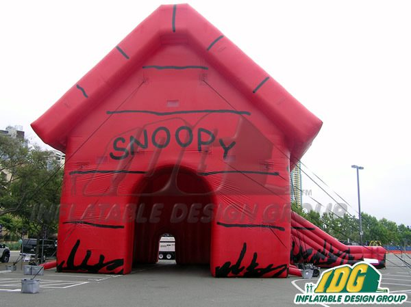 Custom Inflatables at COMIC CON! 1