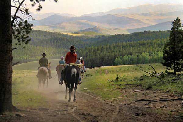 Wyoming DUDE RANCH VACATIONS