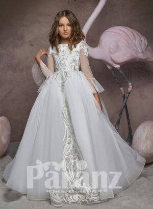 High volume tulle skirt dress with major white appliqué works and wing sleeves