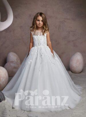 Milk-white long organza skirt dress with royal appliquéd bodice