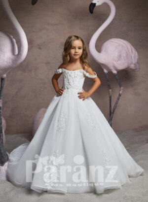 OFF-SHOULDER STYLE LONG TRAIL TULLE SKIRT DRESS WITH FREQUENT APPLIQUÉS ALL OVER