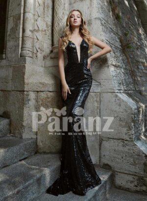 Elegant long glitz satin celebrity inspired mermaid evening gown with stylish deep v neck bodice