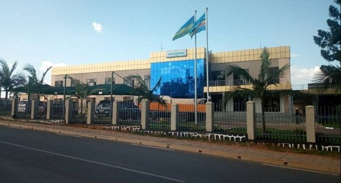 Muhanga: Abantu bikekwa ko ari 'ibisambo' batemye abagabo 2 umwe bamuca urutoki