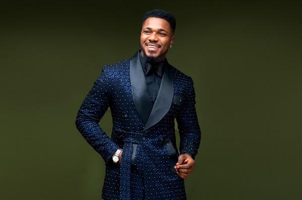 Fashion 101 (AMAFOTO): Uko umugabo ajyanisha ikote n'andi mabara menshi