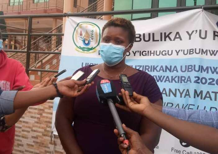 "Mme Umutesi abwira urubyiruko ubumwe n'ubwiyunge, ati ""Mwavutse amateka mabi yaracitse"""