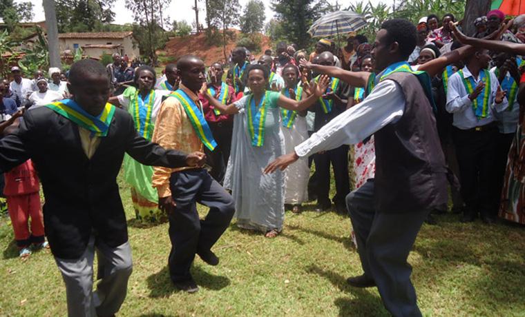 Abunzi barangije manda mu kwa 07/2020 bemerewe gukomeza imirimo