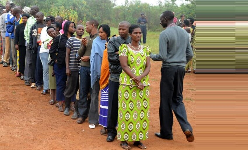Kwakira Kandidatire z'abifuza kujya muri Njyanama z'uturere byigijwe inyuma