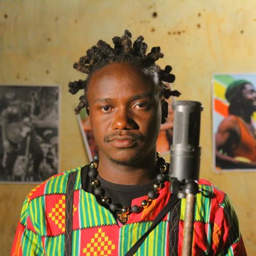 Man Martin yamaganye uwavuze ko 'yimanye uburenganzira bwo gucuranga ibihangano bye'