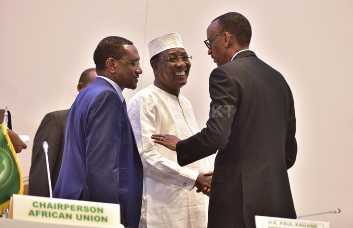 Perezida Kagame yifatanyije n'umuryango wa Nyakwigendera Idris Déby Itno
