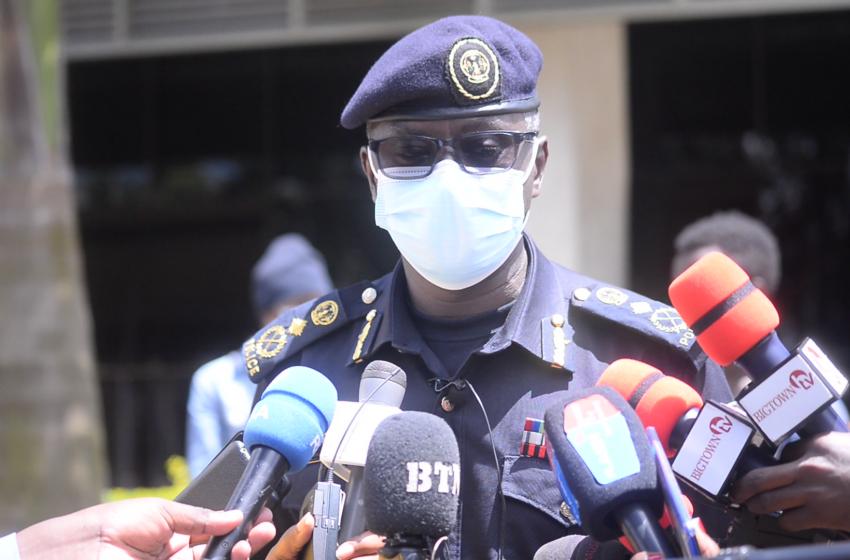 Polisi yerekanye 11 bafashwe bizihiza isabukuru y'amavuko barenze ku mabwiriza yo kwirinda COVID-19