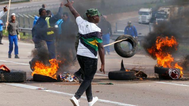 South Africa: 72 bamaze gupfira mu midugararo yatangiye bamagana ifungwa rya Jacob Zuma