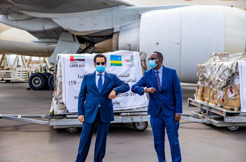 """Amb. Alqahtani washyikirije u Rwanda ibikoresho byo kurwanya COVID-19, ati """"Imana nibishaka tuzayitsinda"""""""
