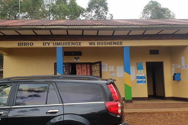 Nyamasheke/Bushenge: Butiki z'ibiribwa zirafunze, kujya guhaha bisaba uruhushya rwa Gitifu