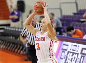 Women's Basketball - Victoria Cardaci